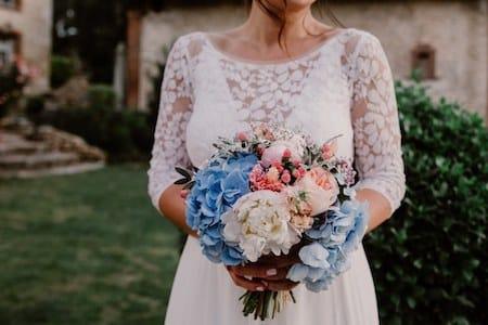 bouquet de mariee bleu et peche